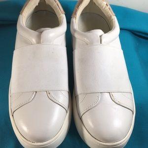 Steve Madden Sneaker Slip on Size 7.5 B